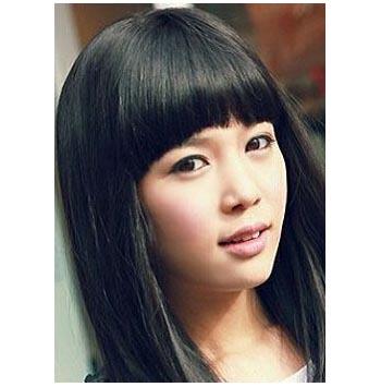 女学生齐刘海中长发发型