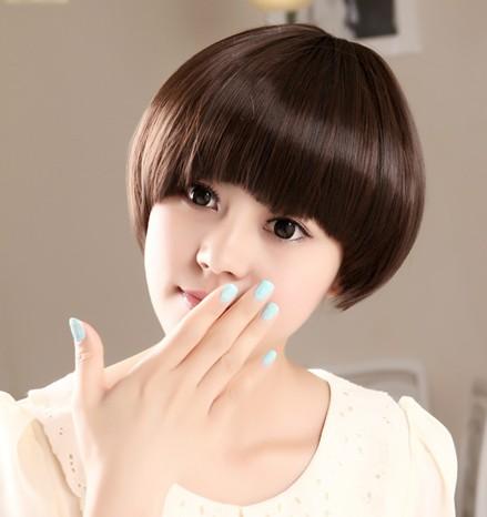 发型 初中生圆脸眼小怎么梳 什么发型好看 圆脸齐刘海.