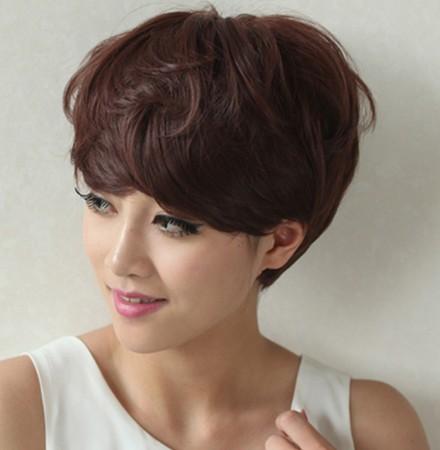 夏天适合的蘑菇头短发发型图片