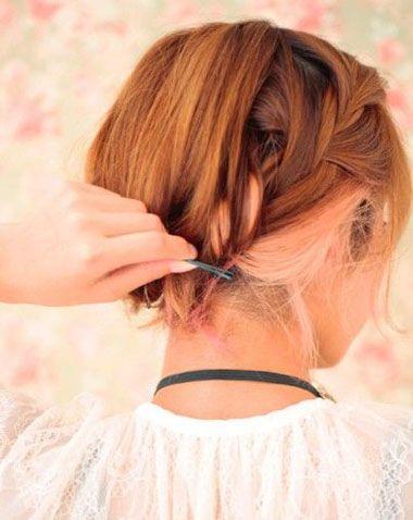 新娘发型  2015-11-09 14:44  来源:未知 点击: 次 另一边的头发,用