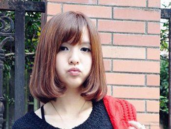 14:44| 来源:未知|点击: 次 呆萌可爱的小女孩一款 直发梨花头发型更