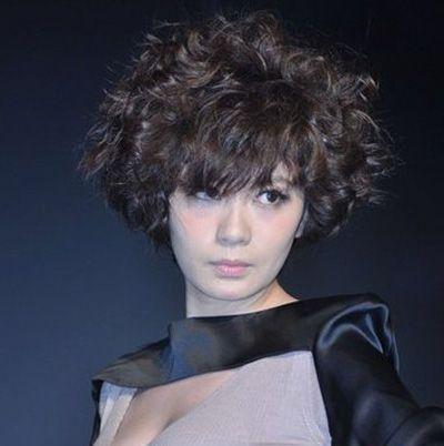 爆炸头短发烫发发型 中短发烫发发型爆炸头