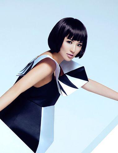 沙宣齐刘海短发包脸蘑菇头发型
