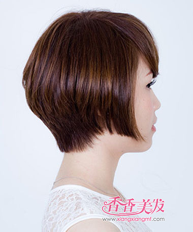 圆脸斜刘海包头蓬松沙宣头短发发型,一样是给圆脸女人做润饰,气质图片