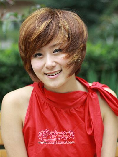2015女人沙宣头纹理烫发发型 女人纹理烫短发发型(4)图片