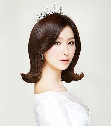 喇叭烫发型设计图片 中长发烫发显年轻发型(3)图片