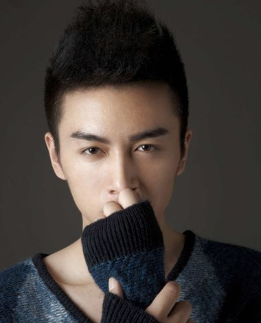 男人露脑门的发型 15年最新男人露额头发型(2)