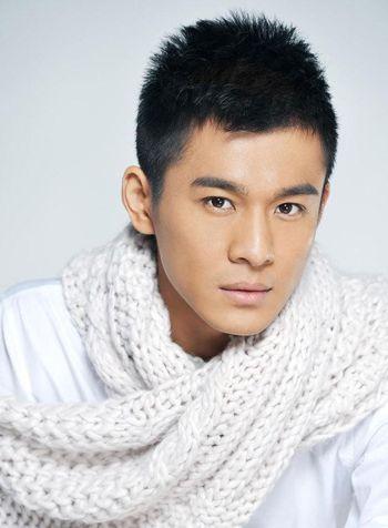 符合男人脸小头小眼睛小的发型 小眼男人符合什么刘海图片