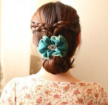长发自己能在家给自己盘头发的发型有哪些 端庄大方发型盘发