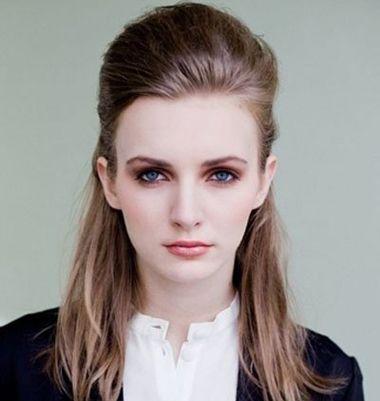 怎样盘职业女性发型 职业女性盘头发型图片(3)
