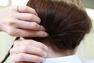 短头发怎样盘发好看 盘发器编短头发花样步骤(5)