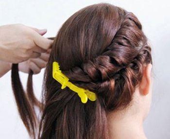 怎样盘气质发型 简约盘发发型图片步骤(2)