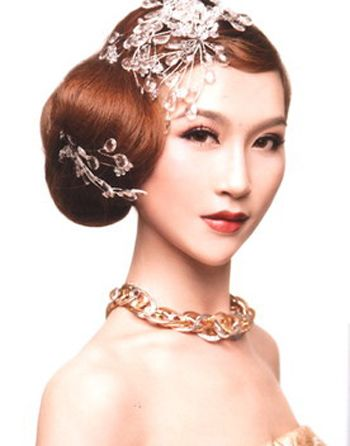 美发造型 盘发发型  爱好古典中国风的女孩子,发型中融进了手推波的