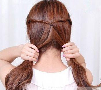 美发造型 盘发发型  新潮的女孩子不单单在妆容方面让本身不out,在图片