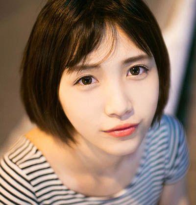鹅蛋脸女生齐刘海短发发型图片图片