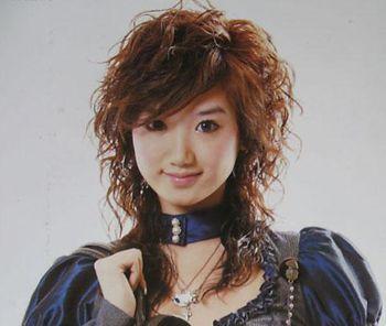 女士中年中短发小卷发型图片 日韩小卷发型图片