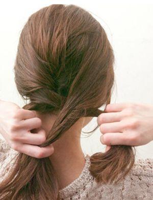 娃娃脸的头发怎么编才好看 娃娃脸盘头发简单好看的步骤图解