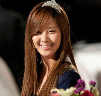直发斜刘海发型 女人斜刘海直发发型(2)图片
