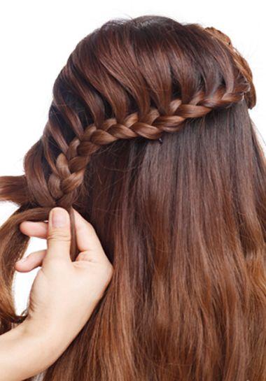 教我盘个简单又大方的新娘发型 新娘盘发发型图片中长发图片