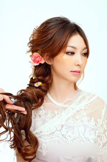 新娘编发长发发型步骤 有头帘新娘编发型日系(3)