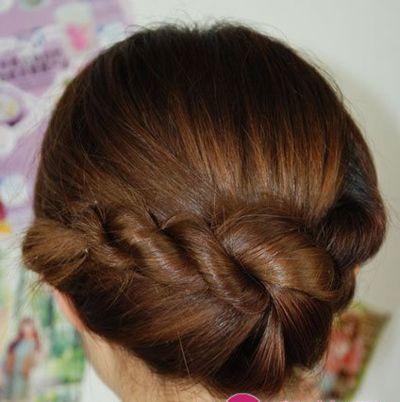休闲盘发发型图解 简单易学的盘发发型步骤