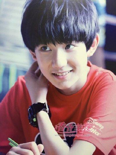 王俊凯的这款西瓜头发型在中学生的发型样式中也是很常见的,阳光图片
