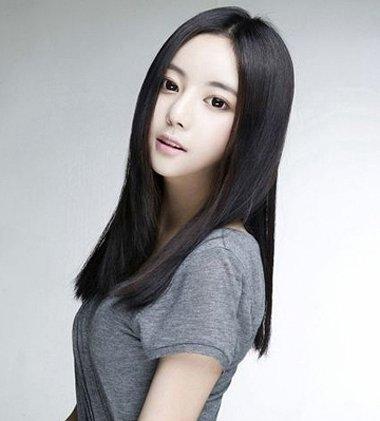 女生直�ya[����6ߖ型_额头短窄中长直发发型 普通女生直发型