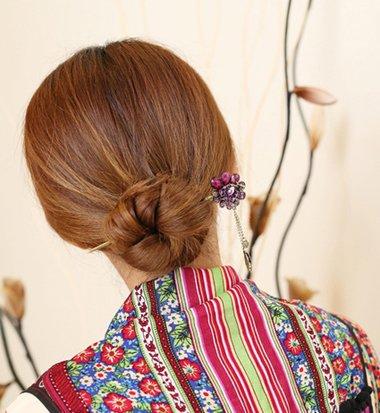 簪子的盘发方法图解中短发直发 中短发直发盘发(3)