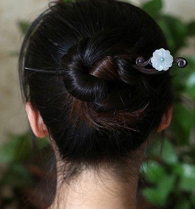 簪子的盘发方法图解中短发直发 中短发直发盘发(2)图片