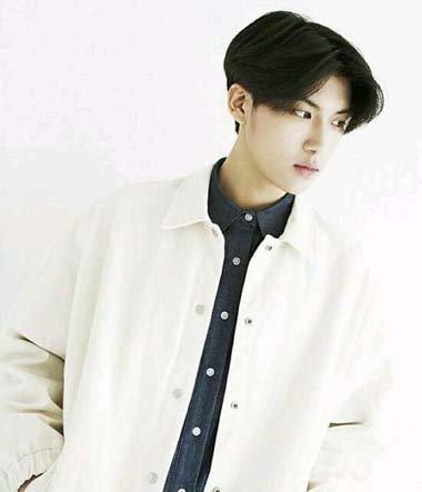 韩式中分发型 男生中分发型图片