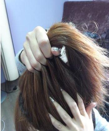 韩国扎马尾发型图片 韩国的蓬松马尾发型(2)