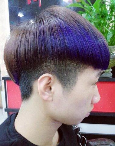 男人蓝紫色漂染沙宣短发发型图片