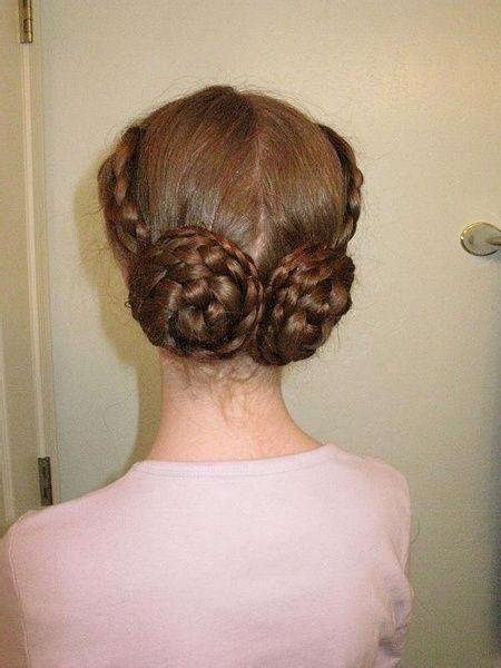 中老年人盘什么发型 老年女人超长发盘发的发型图片