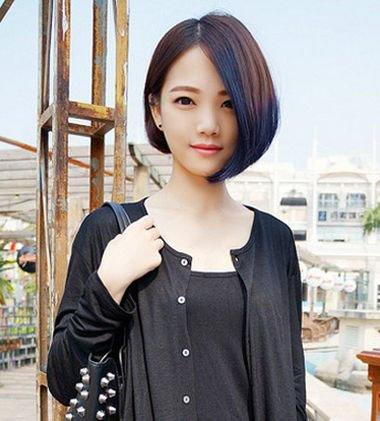 是发型潮流的风向标,沙宣短发就是经典的一款短发发型,沙宣短发以顺滑图片