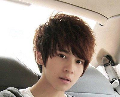 男生头型比较扁的适合什么发型 男生内蓬发型图片