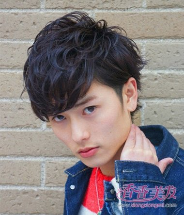 并不是所有的韩版男人烫发发型都有新潮感,日系空气刘海小卷烫发发图片