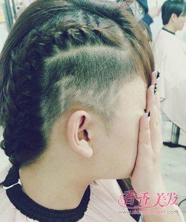男人旁边剃字母发型 男人发型样式图片(3)