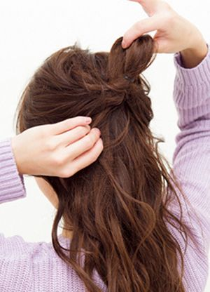中长发怎么扎马尾好看 长头发扎马尾辫图解图片