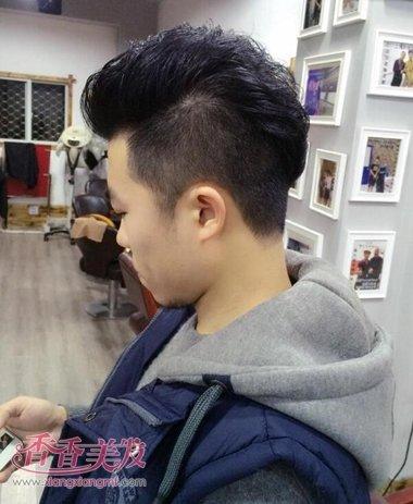 男孩子的2015年最流行的发型 鲨鱼头发型图片