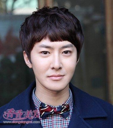 日本男短发型 最流行的小男人短发发型
