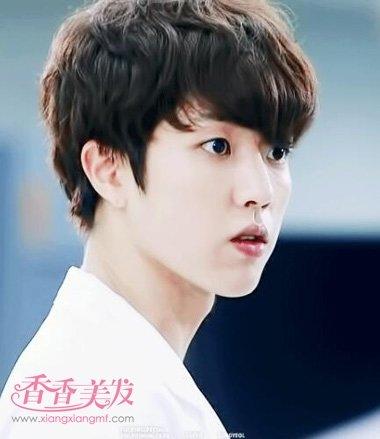 中国男人方脸型适合什么发型 男生国字脸帅气发型图片