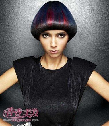 2017年密斯最新款沙宣短发有刘海发型设计