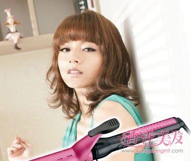 女人新潮卷发沙宣齐刘海发型设计