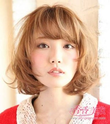 魅力女短发型图片 韩国女人英俊短发发型图片(3)