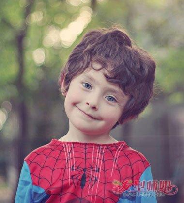 三岁男孩头发的发型图片 三岁男宝宝短发发型(2)