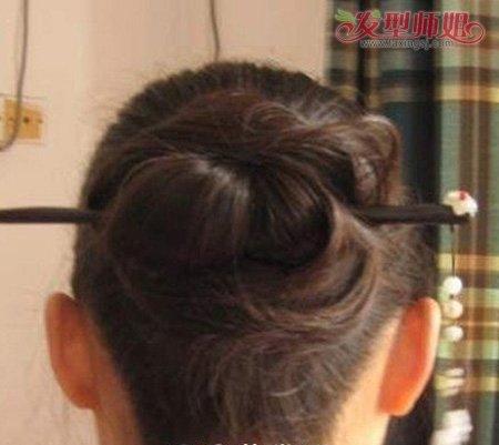 古装发型盘法步骤,一根发簪打扮盘发更唯美