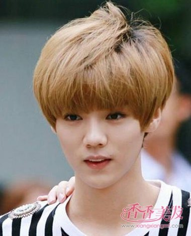 男人齐刘海波波头短发发型