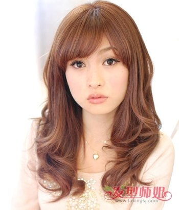 沙宣那么长的卷发那是女人发型可爱卷发主持人编发步骤图片