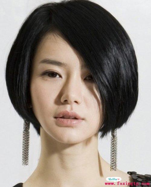 戚薇沙宣头短直发发型,简单利落显气质